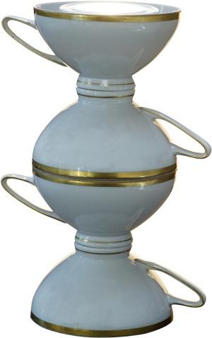 Tischlampe mit Goldrand im 50er-Jahre-Stil